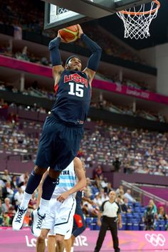 Carmelo Anthony Dunking | Carmelo Anthony Carmelo Anthony #15 of United States dunks the ball in ...