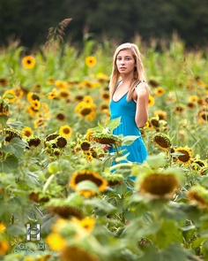Yet More Sunflower Field Portraits by G. Holt Photography, via Images Sunflower Field Photography, Autumn Photography, Image Photography, Photography Ideas, Graduation Photography, Senior Photography, Portrait Photography, Male Senior Pictures, Senior Pics
