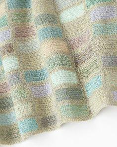 Sophie Digard :Lili et Nene Freeform Crochet, Crochet Motif, Crochet Shawl, Crochet Designs, Crochet Doilies, Crochet Yarn, Crochet Patterns, Love Crochet, Beautiful Crochet