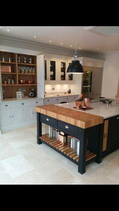 Tom Howley furniture Modern Shaker Kitchen, Barn Kitchen, Kitchen Floors, New Kitchen, Kitchen Ideas, Bespoke Kitchens, Luxury Kitchens, Kitchen Interior, Kitchen Design