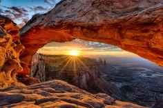 Mesa Arch sunrise landscape in Canyonlands National Park