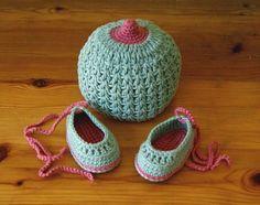 Newborn 03 Months Baby Boob Beanie Crochet by MotivesAndPatterns, $35.00