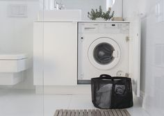Annonce: Guide til køb af vaskemaskiner: Dette skal du være opmærksom på Bathroom Toilets, Bathroom Renos, Bathroom Layout, Bathroom Ideas, Beach Bathrooms, Small Bathroom, Laundry Closet, Laundry Room, Home Organisation