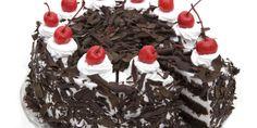 La torta foresta nera è un grande classico molto conosciuto della pasticceria tradizionale tedesca. È molto gustosa e sicuramente molto bella da vedere.