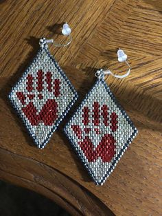 Beaded Earrings Native, Beaded Earrings Patterns, Bead Earrings, Tribal Earrings, Beaded Jewelry, Native Beading Patterns, Beadwork Designs, Bead Patterns, Native American Beadwork