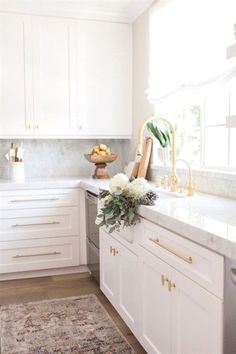 Stunning Luxury White Kitchen Design Ideas 37 #kitchenInterior