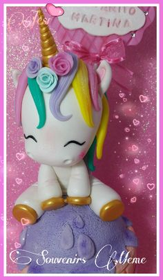 UNICORNIOS Polymer Clay Ornaments, Fimo Clay, Polymer Clay Crafts, Clay Beads, My Little Pony Unicorn, Fondant Animals, Fondant Decorations, Easy Hobbies, Cold Porcelain