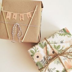 Baby Gifts Packaging Brown Paper New Ideas Baby Shower Wrapping, Baby Gift Wrapping, Gift Wraping, Present Wrapping, Creative Gift Wrapping, Creative Gifts, Diy Baby Gift Wrap, Wrapping Ideas, Baby Shower Gifts For Boys