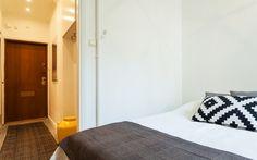 Sovrum #2, ljusa väggar - Jusmag Måleri.   Kontakta oss på info@jusmag.se, eller på +46736331115