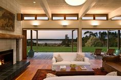 Evill House by Studio Pacific Architecture | HomeDSGN