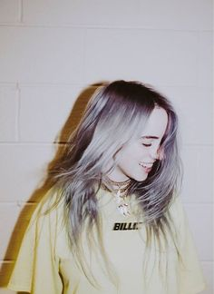 Celebs How much is Billie Eilish Worth ? Billie Eilish, Aesthetic Pictures, Shawn Mendes, Cute Wallpapers, Girl Crushes, Selena, Famous People, Idol, Instagram