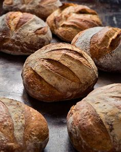 No Knead Bread. Artisan Bread Recipe (Mix the dough, keep it in the fridge, take 5 minutes to shape a loaf, and slide it in the oven. Artisan Bread Recipes, No Knead Bread, Rye Bread, Recipe Mix, Dough Recipe, Bread And Pastries, Bread Baking, Bread Food, Gastronomia