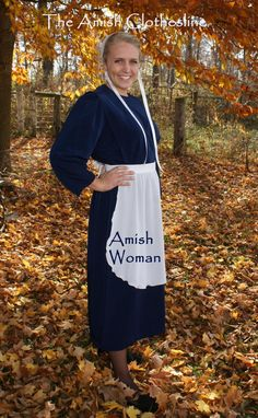 JUST a dress . Amish Woman's Dress cape and apron Suit Handmade Unique Costumes, Cool Costumes, Costumes For Women, Costume Ideas, Basic Outfits, Dress Outfits, Best Costume Ever, Cape Dress, Simple Living