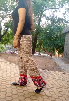 Easy breezy! Great for #summer and #rain! <3 #monsoon #palazzos #parallel #printed #prints #longhair #longhairdontcare #cuffs #blogger #indianblogger #fashionblogger #beautyblogger #fashion #beauty