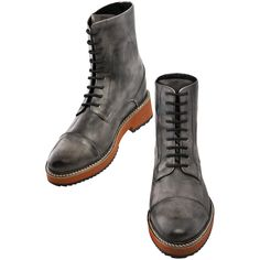 Bespoke elevator boots Innsbruck   Upper in grey burnished full grain leather, lining in soft goatskin, Cotton waxed shoe laces.