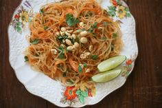 "La Mesa: Kelp Noodle Padthai | ""Chili paste may substitute for Saracha in this recipe for those avoiding sugar."" -MB."