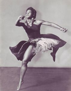 Pearl Primus was a dancer, choreographer and anthropologist: Dancer/choreographer Pearl Primus, born this day in 1919 (d. was a pioneer in melding African and modern dance techniques. Shall We Dance, Lets Dance, Tango, Black Dancers, Hip Hop, African Dance, Poses References, Dance Movement, Modern Dance