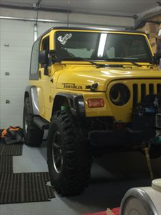 Front veiw of jeep wth the front cut fender I made on for comparison Jeep Stuff, Jeep Life, Monster Trucks, World, Vehicles, Diy, The World, Bricolage, Do It Yourself