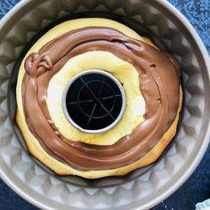 Ciambellone umplut cu cremă de ciocolată – Chef Nicolaie Tomescu Crepes, Tiramisu, Waffles, Cheesecake, Pudding, Breakfast, Simple, Food, Pie