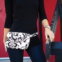 Get on the dance floor hands-free with this super cute fanny pack. Get a free pattern to sew your own and then get back on the dance floor. Fanny Pack Pattern, Bag Pattern Free, Bag Patterns To Sew, Sewing Patterns, Print Patterns, Hip Bag, Hip Purse, Sewing Tutorials, Sewing Projects