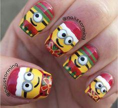 Christmas Nail Art - Minions