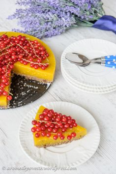 Tort raw vegan de mango Raw Cake, Vegan Cake, Vegan Cheesecake, Sweet Recipes, Vegan Recipes, Cooking Recipes, Raw Desserts, Dessert Recipes, Vegan Sweets