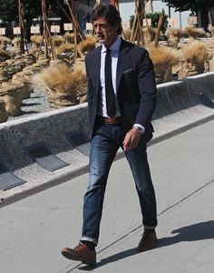 Terno Slim Fit, cai muito bem com calça jeans.