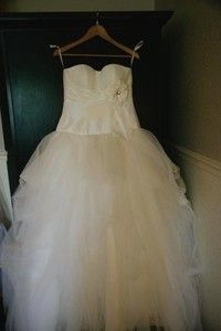 Galina Ivory Taffeta Ball Gown with layered tulle skirt. size 8. Custom designed back of dress with a corset close. $275