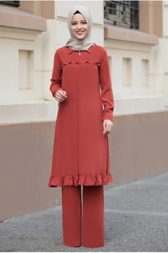Modest Fashion Hijab, Muslim Fashion, Fashion Dresses, Blouse Dress, I Dress, Kebaya Muslim, Suits For Women, Ladies Suits, Mode Hijab