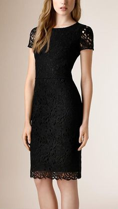 Burberry Floral Macramé-Lace Dress in Black Dress Up Outfits, Fashion Dresses, Pretty Dresses, Beautiful Dresses, Dress Skirt, Lace Dress, Burberry Prorsum, Cocktail Attire, Mode Inspiration