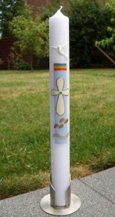 Taufkerze mit Regenbogen Kreuz Füße (102TK)