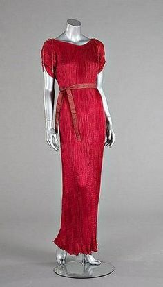 1935 Delphos gown  Mariano Fortuny  Auctioned June 2009 Kerry Taylor Auctions