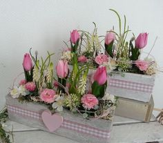 Decorative objects - Spring arrangement of Bellis tulips in a cement bowl - a designer piece . - Decorative objects – Spring arrangement of tulips Bellis in cement bowl – a designer piece by d - Church Flowers, Flower Boxes, Valentine Crafts, Floral Bouquets, Holidays And Events, Spring Flowers, Seasonal Decor, Flower Arrangements, Creations
