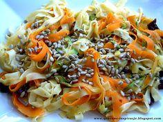 Przepisy FIT: Słoneczne tagliatelle z warzywami i prażonymi ziarnami słonecznika (2, ND)