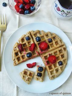 Banana Quinoa Waffles - Queen of Quinoa   Gluten-free + Quinoa Recipes  Gonna try these soon, replace eggs with flax, its' gluten free and I can veganize it! Whoop!