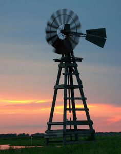 Wooden Windmill by Jerry Segraves Wooden Windmill, Farm Windmill, Blowin' In The Wind, Wind Of Change, Beautiful Farm, Beautiful Pictures, Old Windmills, Weather Vanes, Water Mill