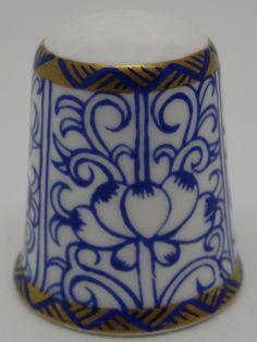 Royal Lily. Royal Worcester - Pattern Thru The Ages. Thimble-Dedal-Fingerhut.