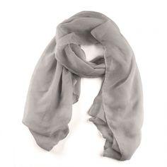 Pashmina gris, ideal con todo tipo de looks