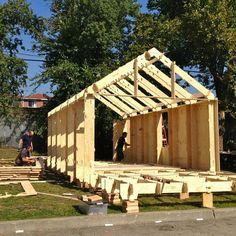 WikiHouse is een open source bouwpakket systeem. Doel is iedereen in staat te stellen een huis of een ruimte te ontwerpen, te downloaden en de onderdelen te kunnen uitzagen (op een computergestuurd…