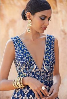 15 Anita Dongre Lehengas For Spring Summer 2019 Indian Attire, Indian Wear, Indian Style, Indian Dresses, Indian Outfits, Indian Clothes, Mehendi Outfits, Anita Dongre, Bridal Lehenga