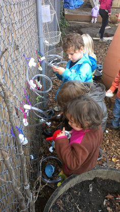 Water exploration on the fenced gate -Tumbleweed Infant House ≈≈ Outdoor Classroom, Classroom Ideas, Outdoor Play, Outdoor Ideas, Outdoor Learning Spaces, Water Playground, Infant Classroom, Water Walls, Sand And Water