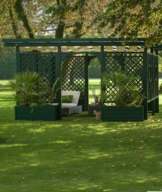 Extension free standing pergola Classique in green - Unopiù Extension free standing pergola Classique in green - Unopiù Whether or not you wish to examine, have a tropical drink, or even doze off at the lake, your pigmented outdoor patio will mak. Attached Pergola, Pergola With Roof, Gazebo, Outdoor Pergola, Terrace Building, Free Standing Pergola, Roof Structure, Construction, Garden In The Woods