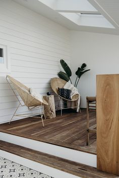 A Modern Australian Beach House Beach Cottage Style, Coastal Style, Beach House Decor, Coastal Decor, Beach House Interiors, Beach Chic Decor, Chic Beach House, Cottage Interiors, Beach Houses