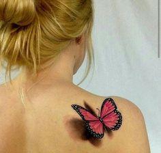 Tatuagem de Borboleta   Realista no Ombro