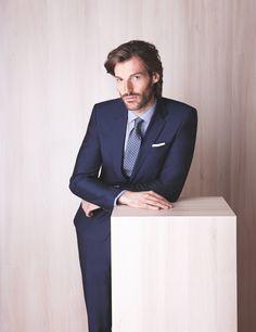 #Sommer im #Büro - #Anzug aus reiner #Sommerbaumwolle in dunkelblau