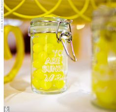 Lemon Candy Favors The couple raided every Cost Plus World Market store in the Atlanta area for their mini-glass favor jars. They filled them with Lemonheads and personalized them with their wedding signature. Free Wedding, Perfect Wedding, Party Planning, Wedding Planning, Lemon Head, Favour Jars, Candied Lemons, Candy Favors, Wedding Wraps