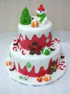 Christmas Birthday Cake, Christmas Cakes, Holiday Cakes, Christmas Desserts, Christmas Cake Designs, Christmas Cake Decorations, Easy Christmas Treats, New Year's Cake, Fantasy Cake