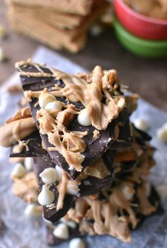Go on a flavor adventure with Lemon Tree Dwelling's Sweet n Salty Double Choc Peanut Butter Bark. A delicious crunch combined with sweet chocolate and Honey Maid Graham Crackers. Candy Recipes, Sweet Recipes, Dessert Recipes, Just Desserts, Delicious Desserts, Yummy Food, Christmas Desserts, Christmas Baking, Christmas Cookies