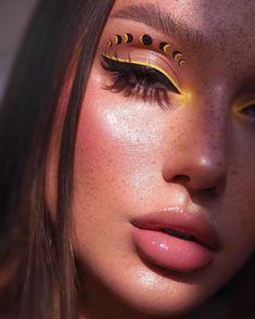 colourpop uh huh honey palette looks \ uh huh honey colourpop looks , uh huh honey colourpop looks step by step , colourpop eyeshadow looks uh huh honey , colourpop uh huh honey palette looks Fancy Makeup, Edgy Makeup, Makeup Eye Looks, Creative Makeup Looks, Colorful Eye Makeup, Eye Makeup Art, Crazy Makeup, Pretty Makeup, Skin Makeup