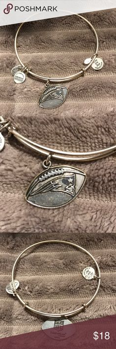 NFL Patriots Alex & Ani Bangle Slightly worn New England Patriots Alex & Ani Bracelet. Needs to be cleaned with soap and water and will be ready to go! Great authentic bracelet Alex & Ani Jewelry Bracelets